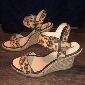 5/$20 Relatively size 10 wedges with leopard print